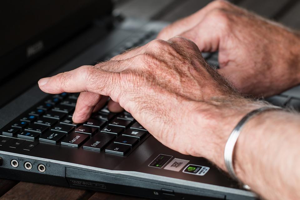 3 gode grunde til at give dine bedsteforældre en hjemmeside i gave