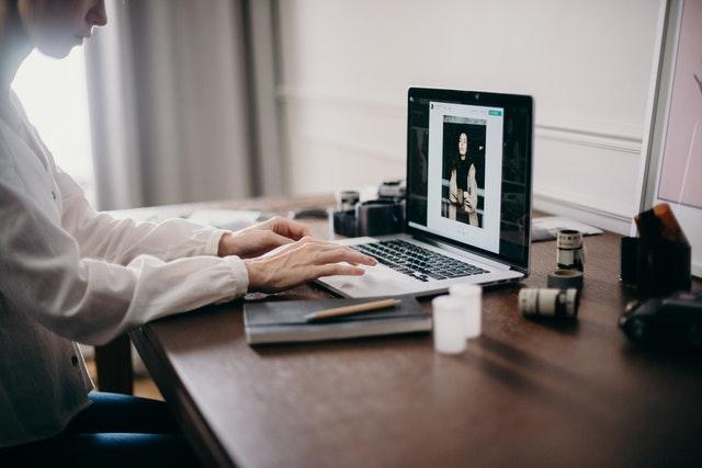 Design en personlig hjemmeside og nå ud til dine kunder